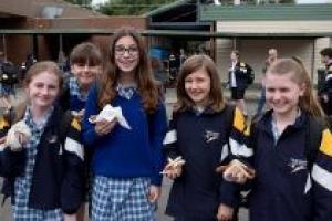 DU HỌC TRUNG HỌC TẠI THORNBURY HIGH SCHOOL TẠI THÀNH PHỐ MELBOURNE, BANG VICTORIA, ÚC